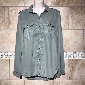 American Eagle Boyfriend Fit Button Down shirt M